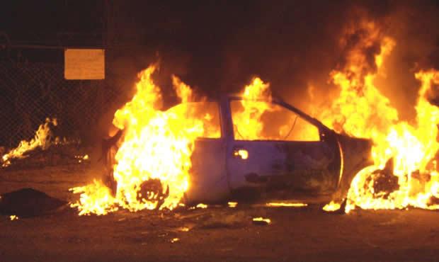 vehiculo-incendiado